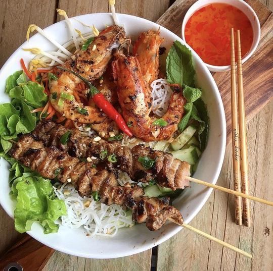 Bún nem nướng và loạt bún nguội trứ danh ở Việt Nam - Ảnh 8.