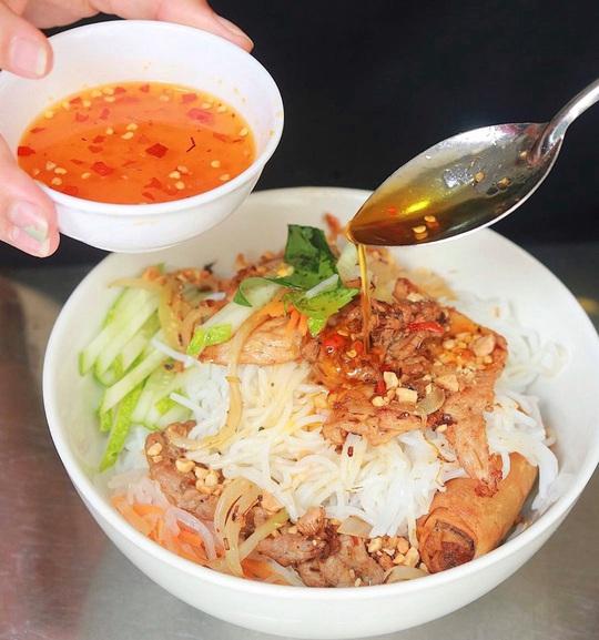 Bún nem nướng và loạt bún nguội trứ danh ở Việt Nam - Ảnh 10.