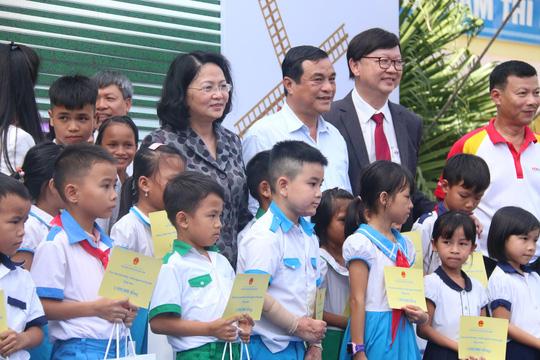Phó Chủ tịch nước đem niềm vui cho trẻ em Quảng Nam nhân ngày Tết thiếu nhi - Ảnh 5.