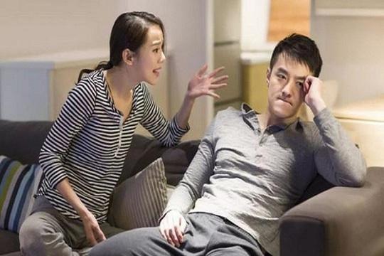 Vợ giận đùng đùng khi biết tôi lấy 100 triệu giúp tình cũ bị bệnh - Ảnh 1.