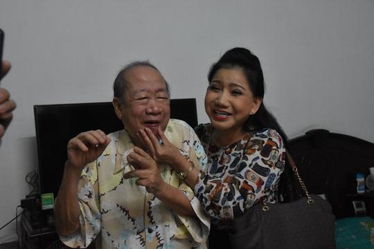 Mai Vàng nhân ái thăm Chu Phác Viên Nam Hùng, Nhuận Điền Thanh Tú và quái kiệt Tùng Lâm - Ảnh 3.