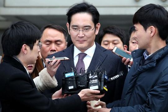 Vì sao người thừa kế Samsung tiếp tục rơi vào vòng lao lý? - Ảnh 1.