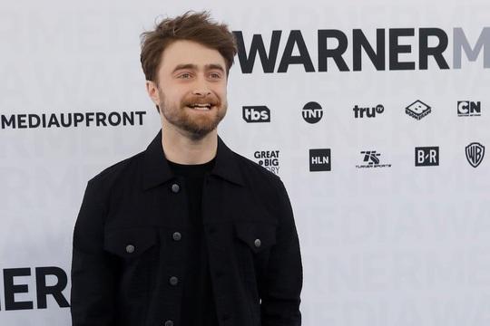"""""""Harry Potter"""" Daniel Radcliffe khẳng định phụ nữ chuyển giới là phụ nữ - Ảnh 1."""