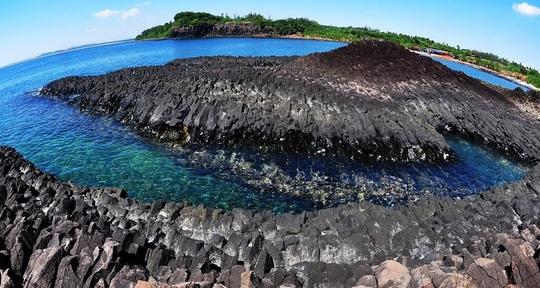 Ngắm tuyệt tác san hô cực đẹp ở Gành Yến – Quảng Ngãi - Ảnh 1.