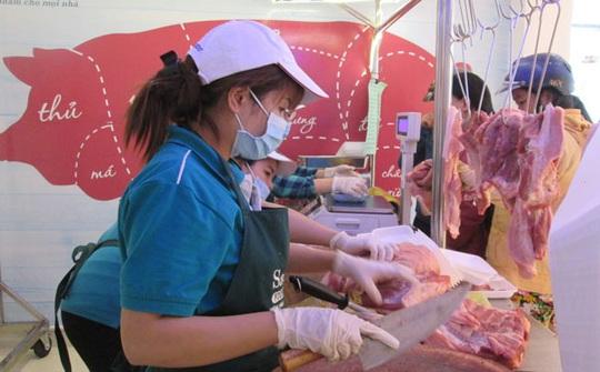 Tấp nập nhập khẩu heo thịt Thái Lan - Ảnh 1.