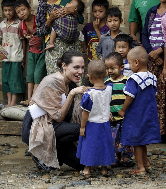 Angelina Jolie trải lòng việc chăm 6 con thời Covid-19 - Ảnh 3.
