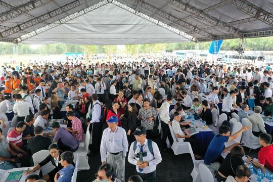 Bất động sản Long Thành bùng nổ với gần 2.000 khách tham quan dự án Gem Sky World - Ảnh 2.