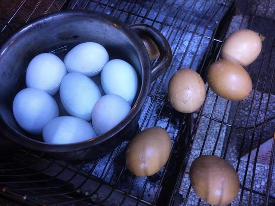 Ăn vặt xuyên đêm ở hồ Con Rùa - Ảnh 9.
