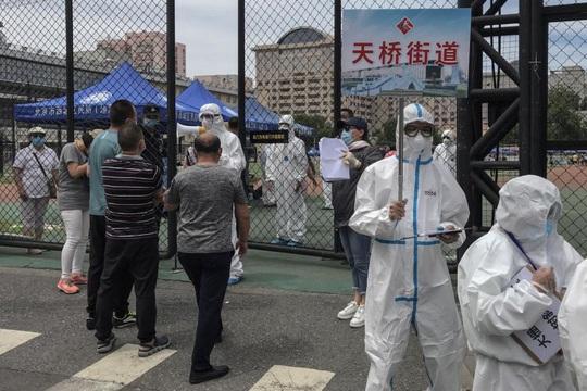 Bắc Kinh đóng cửa tất cả các trường học, chuẩn bị đợt dịch Covid-19 thứ 2 - Ảnh 1.