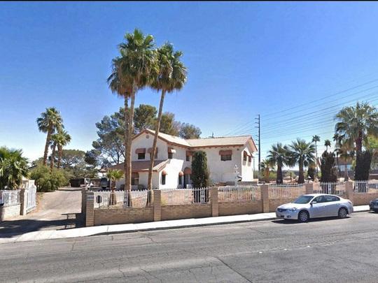 Ngôi nhà có biệt thự dưới lòng đất rộng gần 1.500 m2 giá 18 triệu USD - Ảnh 2.