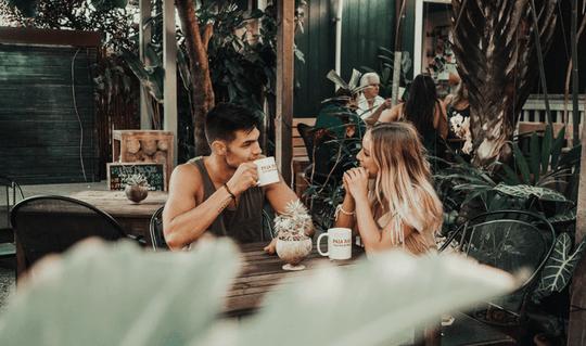 Nên nói gì với chàng trong lần hẹn hò đầu tiên? - Ảnh 2.