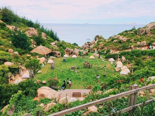 Những chốn dã ngoại gần gũi thiên nhiên ở Quy Nhơn dịp hè - Ảnh 1.