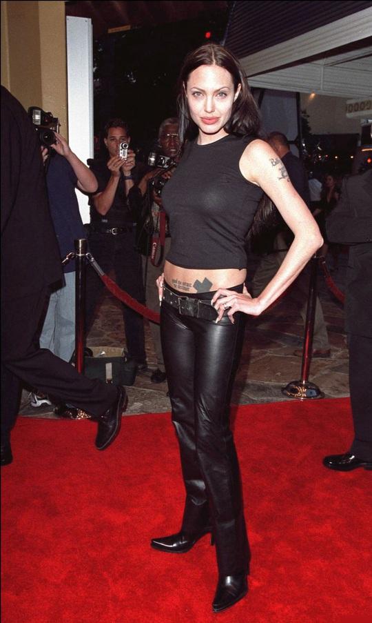 Thời trang Angelina Jolie qua hai thập niên - Ảnh 7.