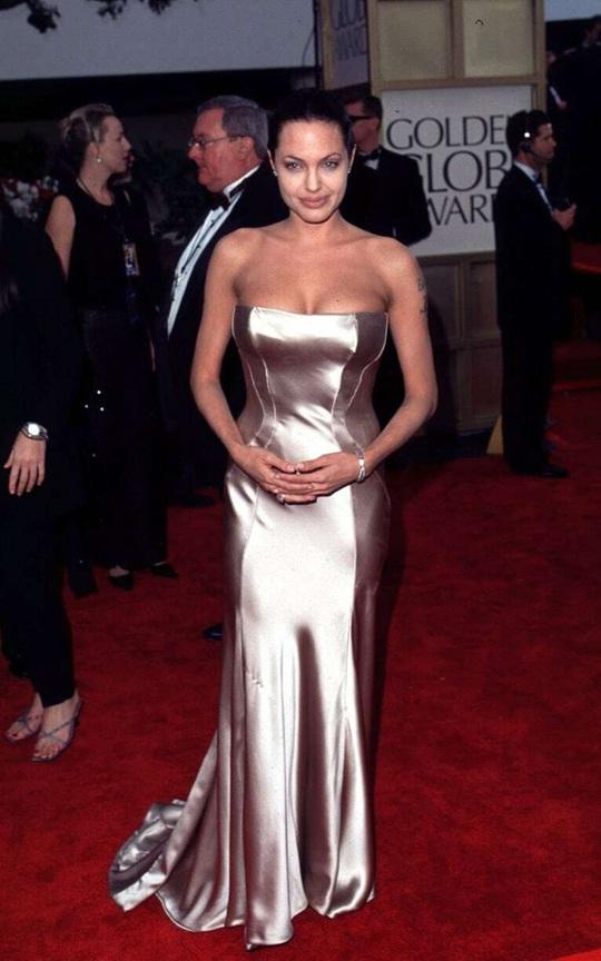 Thời trang Angelina Jolie qua hai thập niên - Ảnh 8.