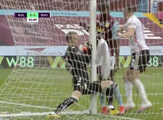 Giải Ngoại hạng Anh: Sheffield bị cướp bàn thắng, Man United được cứu - Ảnh 2.