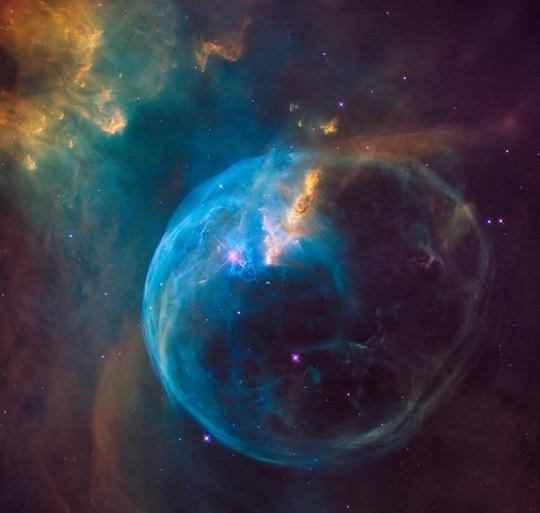 23 bức ảnh tuyệt đẹp gửi đến từ vũ trụ - Ảnh 1.