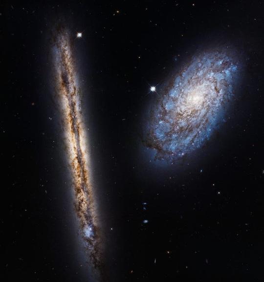 23 bức ảnh tuyệt đẹp gửi đến từ vũ trụ - Ảnh 12.