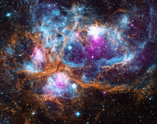 23 bức ảnh tuyệt đẹp gửi đến từ vũ trụ - Ảnh 3.