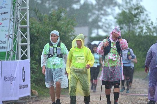 Một vận động viên Giải chạy Siêu Marathon quốc tế Dalat Ultra Trail – 2020 bị nước cuốn trôi mất tích - Ảnh 2.