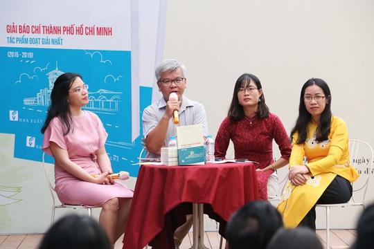 Ra mắt sách Giải báo chí TP HCM - Tác phẩm đoạt giải nhất (2015 - 2019) - Ảnh 2.