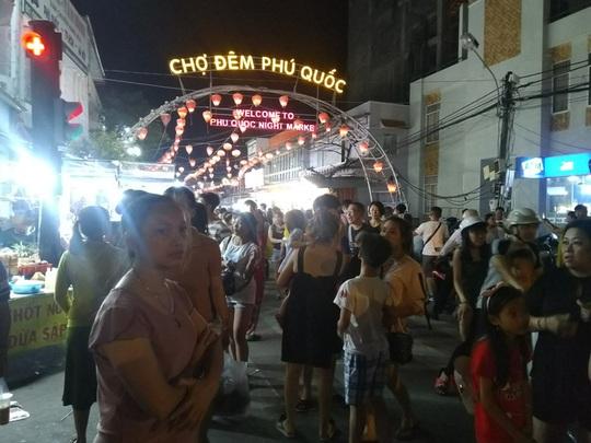 Phú Quốc sẽ có thêm nhiều chợ đêm - Ảnh 2.
