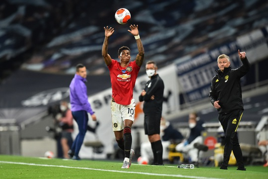 Tottenham hòa nghẹt thở Man United, Pogba tạo dấu ấn ngày trở lại - Ảnh 1.