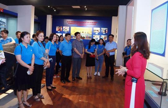 Hải Phòng: Cán bộ Công đoàn tìm hiểu về Bác Hồ và giai cấp công nhân - Ảnh 1.
