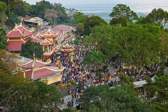 Lễ hội Vía Bà Linh Sơn Thánh Mẫu 2020 - nhiều hoạt động và trải nghiệm mới - Ảnh 1.