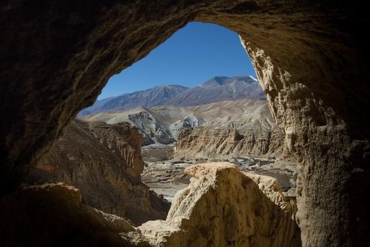 Vương quốc ẩn khuất trên dãy Himalaya, nơi phụ nữ lấy nhiều chồng - Ảnh 2.