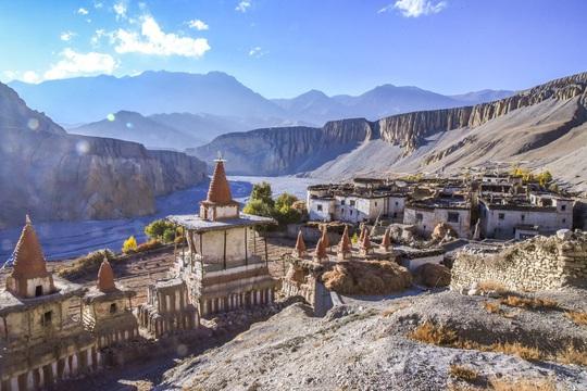 Vương quốc ẩn khuất trên dãy Himalaya, nơi phụ nữ lấy nhiều chồng - Ảnh 3.