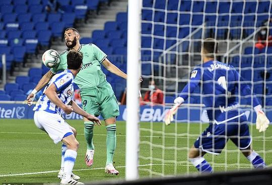 Người hùng giấu mặt ra tay, Real Madrid soán ngôi đầu La Liga - Ảnh 4.