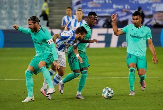 Người hùng giấu mặt ra tay, Real Madrid soán ngôi đầu La Liga - Ảnh 2.