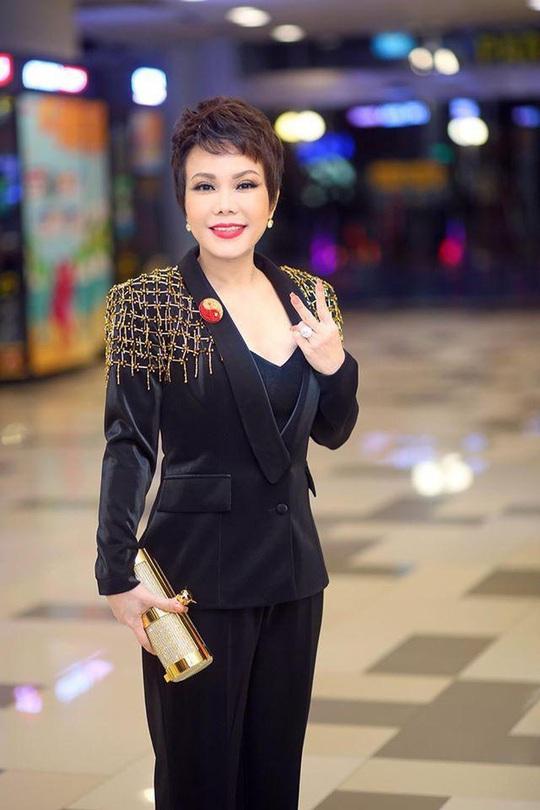 Lỗ tiền tỉ, Việt Hương vẫn chiến với web drama - Ảnh 1.