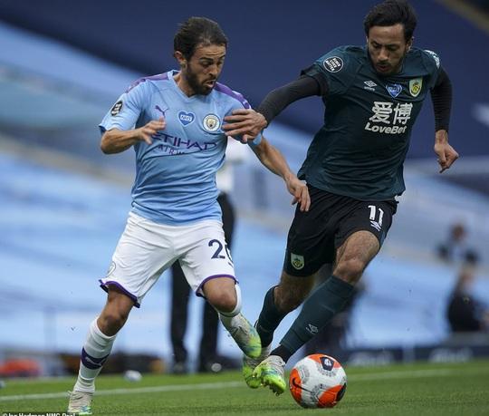 Sao World Cup tỏa sáng, Man City xoa dịu lò lửa Etihad - Ảnh 1.