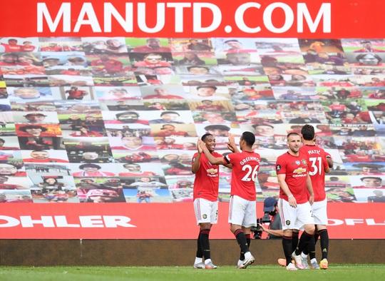 Hat-trick Martial phá dớp săn bàn, Man United bùng nổ ở Old Trafford - Ảnh 7.
