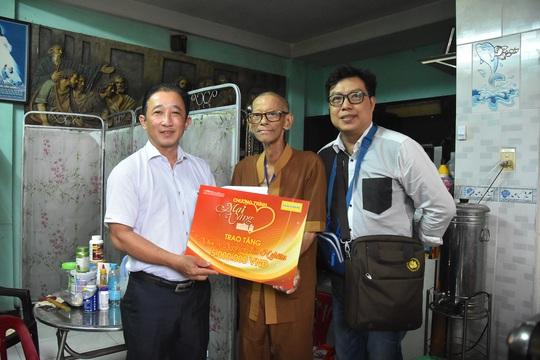 Mai Vàng nhân ái thăm nhạc sĩ Nguyễn Tôn Nghiêm và đào võ Thanh Thế - Ảnh 3.