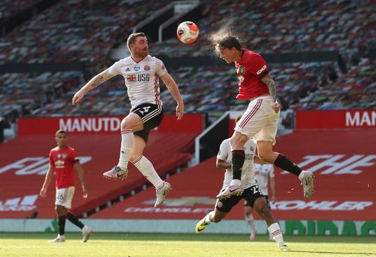 Hat-trick Martial phá dớp săn bàn, Man United bùng nổ ở Old Trafford - Ảnh 1.