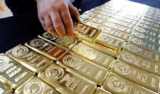 Chuyên gia cảnh báo giá vàng sẽ còn tăng cao, cơ hội giảm giá chưa có - Ảnh 1.