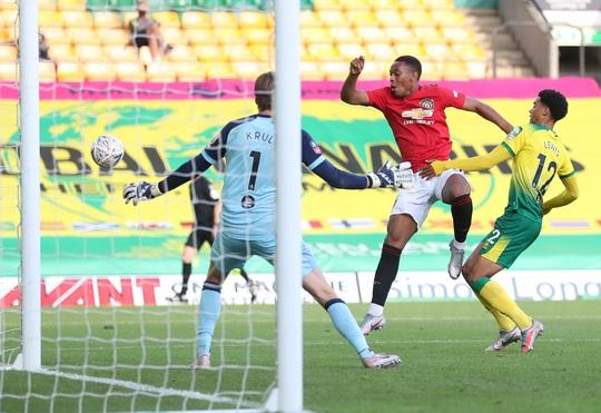 Người hùng giấu mặt tỏa sáng, Man United đoạt vé bán kết FA Cup - Ảnh 6.