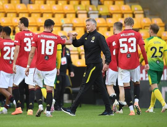 Người hùng giấu mặt tỏa sáng, Man United đoạt vé bán kết FA Cup - Ảnh 8.
