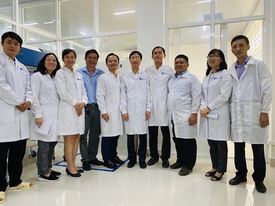Nghiên cứu thành công sinh phẩm hỗ trợ xét nghiệm sàng lọc bệnh Covid-19 - Ảnh 1.