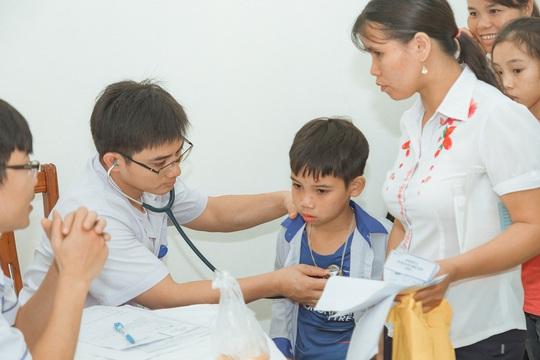 """Ngày Gia đình Việt Nam """"Trái tim cho em"""" khám sàng lọc miễn phí tại Hà Giang - Ảnh 1."""