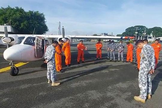 Tàu hàng đụng chìm tàu cá Philippines, 14 thuyền viên chưa rõ sống chết - Ảnh 2.