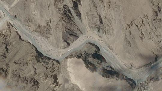 Trung Quốc đã sớm điều động võ sĩ, đội rước đuốc Olympic lên biên giới Ấn Độ - Ảnh 1.