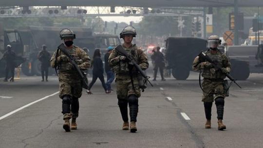 Biểu tình ở Mỹ: Thực hư số thành viên Vệ binh Quốc gia dương tính với Covid-19 - Ảnh 1.