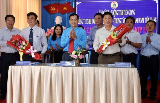 """LĐLĐ tỉnh Tiền Giang xây dựng 26 căn """"Mái ấm Công đoàn"""" - Ảnh 1."""