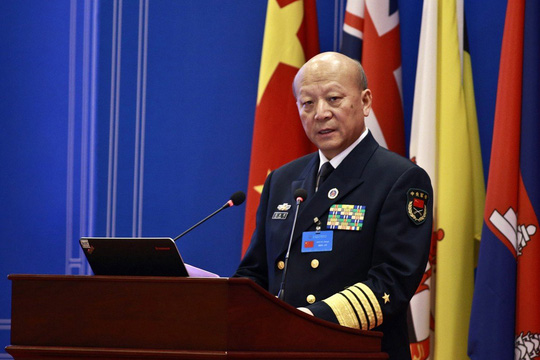 Trung Quốc bất ngờ loan tin kiểm toán cựu tư lệnh hải quân - Ảnh 1.