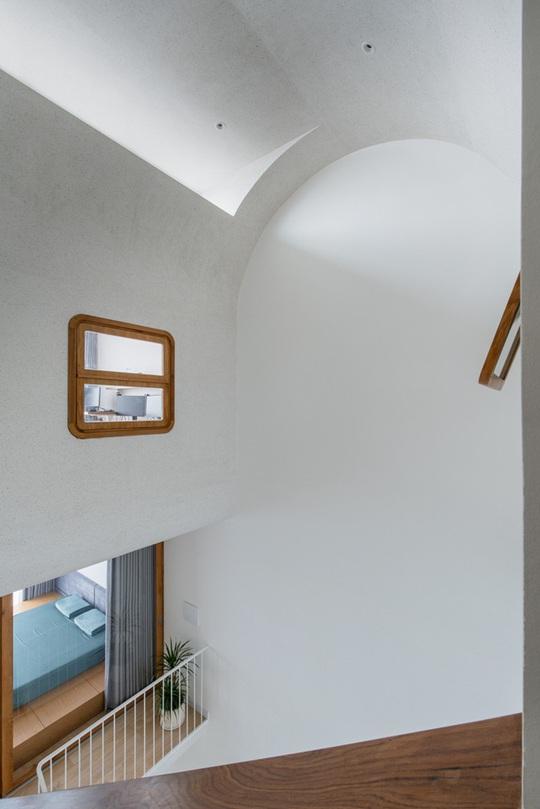 Ngôi nhà phố toàn màu trắng nổi bật ở TP HCM - Ảnh 7.