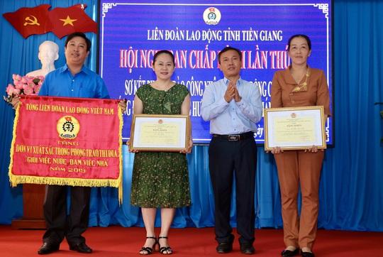 """LĐLĐ tỉnh Tiền Giang xây dựng 26 căn """"Mái ấm Công đoàn"""" - Ảnh 2."""