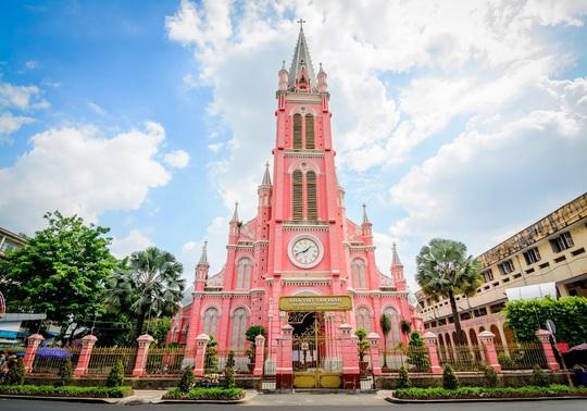 Nhà thờ màu hồng Việt Nam lên báo Mỹ - Ảnh 1.